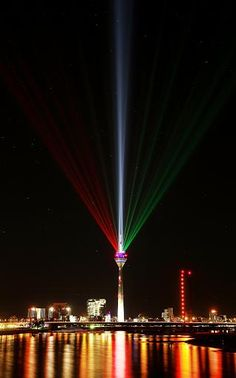 """Rhein Komet"" lights - Rheinturm Düsseldorf, Germany. Anniversary 70 years Düsseldorf & NRW 2016"