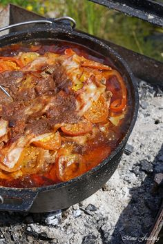 If you belong to the classification of people who take cooking a bit seriously you need spend some more time to check out the various aspects of a great pots and pans. Cuban Recipes, Dutch Recipes, Meat Recipes, Cooking Wine, Fun Cooking, Cooking Pork, Pizza Hut, Barbacoa, Low Carb Meats