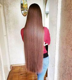 😏👄#hair #longhair #rapunzel#verylonghair #hairinstagram #hairinspiration #hairlover #hairtip #brunette #brownhair #hairmodel… Long Dark Hair, Grow Long Hair, Very Long Hair, Straight Hairstyles, Cool Hairstyles, Silky Smooth Hair, Hot Hair Styles, Beautiful Long Hair, Amazing Hair