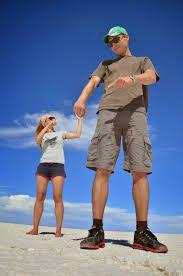 perspectief fotografie - Google zoeken Illusion Photography, Outdoor Photography, Creative Photography, Amazing Photography, Silly Pictures, Creative Pictures, Cool Photos, Forced Perspective Photography, Perspective Photos