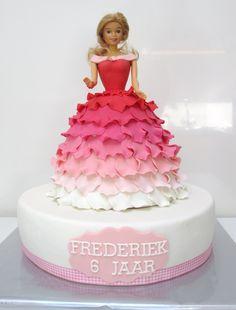 Prinsessentaarten Barbie taart - DeLeuksteTaarten.nl