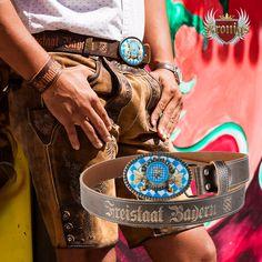 brauner Rindsleder Gürtel mit Bayern Gürtelschnalle und Lederprägung- im Kronigs Onlineshop um €89 Accessories, Fashion, Crests, Bavaria, Moda, Fashion Styles, Fasion, Ornament