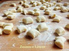Gli gnocchi di ricotta  200 gr di ricotta 160 gr di farina 00 1 uovo 50 gr di parmigiano sale