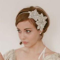 Amei!!  bride2be:    (via Prohibition Era 1920s Flapper Bridal by EricaElizabethDesign)