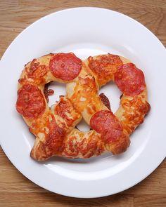 Pizza-Brezel http://bzfd.it/PizzaBrezel