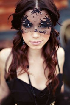 black + white wedding inspiration | black wedding veil | bridal accessories | v/ brit + co |