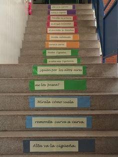 http://biblioaltagracia.blogspot.com.es/2014/04/escalera-lectora-de-gerardo-diego.html