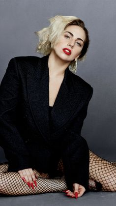 Lady Gaga Talks to Karl Lagerfeld ガガとカールのおしゃれトーク Little Monsters, Joanne Lady Gaga, Lady Gaga Pictures, Justin Timberlake, Cristiano Ronaldo, Actors & Actresses, Beautiful People, Ariana Grande, Celebs