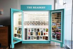 Warby Parker has been doing some pop-up stores and the latest news is the Readery at The Standard Hotel in Los Angeles Kiosk Design, Retail Design, Store Design, The Reader, Optical Shop, Retail Concepts, Warby Parker, Pop Up Shops, Retail Space