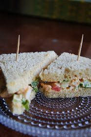 kanakolmioleipä Salty Foods, Sweet And Salty, High Tea, Bon Appetit, Summertime, Sandwiches, Food And Drink, Yummy Food, Bread