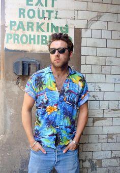Mean Fashion Vintage, Men's Fashion, Hawaii Shirts, Hawaii Style, Rude Boy, Vintage Hawaiian, Hawaiian Print, Men's Style, Men Casual