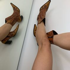 Kicks, Wedges, Shoes, Fashion, Moda, Shoe, Shoes Outlet, Fashion Styles, Wedge