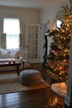Christmas Mantels, Christmas Mood, Christmas And New Year, Christmas Decorations, Holiday Decor, Xmas, Christmas Lights Wallpaper, Christmas Lights Outside, Christmas Aesthetic