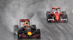 Op het kletsnatte circuit van Interlagos is Max Verstappen na een bijzonder knappe race derde geworden in de GP van Brazilië.