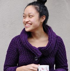 Jacqueline cardigan : Knitty Winter 2011