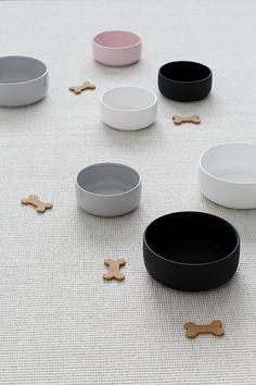Bol en céramique pour chien design nordique Kind for Dogs – Hariet & Rosie Ceramic Mug With Lid, Ceramic Dog Bowl, Ceramic Bowls, Modern Ceramics, Contemporary Ceramics, Dog Milk, Pet Bowls, Cute Dog Bowls, Dog Accessories