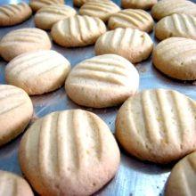 Biscoitos de polvilho e leite condensado