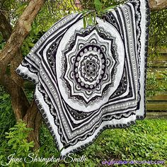 Crochet Mandala Pattern, Crochet Square Patterns, Crochet Stitches Patterns, Afghan Crochet Patterns, Crochet Squares, Crochet Afgans, Knit Crochet, Crochet Blankets, Chunky Crochet