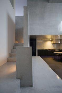 "FORM/Kouichi Kimura Architects, ""House of interplay"" , Shiga, Japan, Photo: Takumi Ota. Architecture Du Japon, Concrete Architecture, Minimalist Architecture, Architecture Details, Interior Architecture, Modern Kitchen Design, Modern Interior Design, Interior Design Inspiration, Design Interiors"