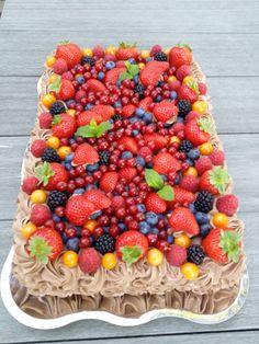 Fruit Salad, Acai Bowl, Bakery, Kefir, Food And Drink, Cooking Recipes, Breakfast, Desserts, Brownies