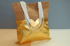 goldene Tasche, Kork Tote, Korktasche, gold ,natur, Tote bag, braune Tasche, vegane Tasche, Metallic Tasche von Herdentier auf Etsy