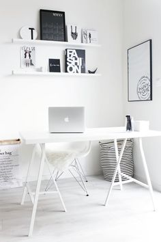 stylish, super minimalist Home Office design I think that minimalist style is one of the best idea for a Home Office, because it is stylish, simp. Mesa Home Office, Home Office Design, Home Office Decor, Home Decor, Office Designs, Office Ideas, Workspace Design, Office Style, Office Workspace