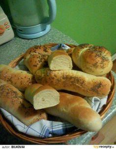 V uvedeném pořadí dáme suroviny do pekárny a zapneme program těsto. Po vykynutí umotáme 10 rohlíků nebo bulek, pletýnek, uzlů... Necháme na... Baked Goods, Sausage, Program, Bread, Baking, Pastries, Food, Sausages, Brot