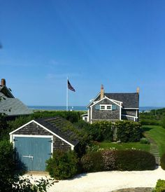 On the cliff in Nantucket