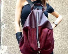 NUOVO Genuine Leather Seude Borgogna zaino / zaino di alta qualità cerniera YKK con strisce nere di AAKASHA A27473