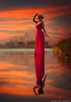 Scarlett by Jake Olson Studios Photography Reflection Photography, Dark Photography, Photography Portfolio, Amazing Photography, Portrait Photography, Cute Rainy Day Outfits, Silhouette Painting, Visual Communication, Great Photos