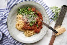 Spaghetti, Dinner Recipes, Pasta, Ethnic Recipes, Desserts, Food, Wordpress, Inspiration, Vegetarian Bolognese