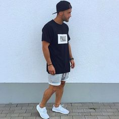 Most Popular Men's Summer Outfit 2019 Look Perfect - Adzkiya Website Urban Fashion, Mens Fashion, Fashion Moda, Friday Outfit, Look Street Style, Look Man, Summer Outfits Men, Mode Style, Mens Clothing Styles