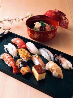 Sushi restaurant in Gion, Kyoto 寿司割烹.damn these food pictures are making me light-headed. Japanese Food Sushi, Japanese Dishes, Japanese Sweets, Sushi Recipes, Asian Recipes, Sushi Comida, Onigirazu, Sashimi Sushi, Sushi Restaurants
