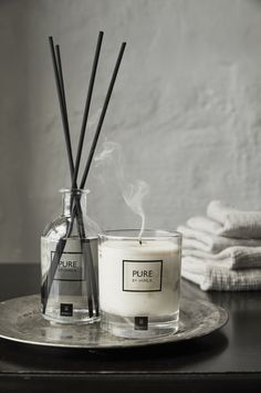 Himla's new collection Pure is available in Scented candles and Reed Diffusers. Wild Flower: A green, fruity and woody fig fragrance with green floral hints Candle Packaging, Candle Labels, Candle Jars, Luxury Candles, Diy Candles, Scented Candles, Romantic Candles, Homemade Candles, Kits Lavabo