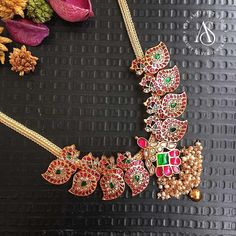 Here are the best collection of antique ruby necklace designs by the brand The Amethyst Store. Ruby Jewelry, Bridal Jewelry, Beaded Jewelry, Diamond Jewelry, Antique Jewellery Designs, Gold Jewellery Design, Silver Jewellery, Antique Jewelry, Ruby Necklace Designs