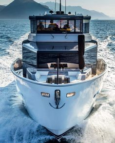 Yachting Club, Yacht Boat, Motor Yacht, Boat Design, Speed Boats, Jet Ski, Water Crafts, Yachts, Skiing