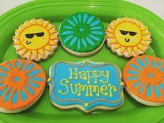 Summer at the Terrace Royal Icing Sugar Cookies by @cookiesbykatewi #madison…