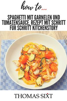 Recipe spaghetti with shrimps and tomato sauce. Recipe with kitchen story and step by step instructions. All chef tips at a glance. Kitchen Stories, Shrimp Pasta, Spaghetti Recipes, Prawn, Zucchini, Fries, Stuffed Peppers, Dishes, Cooking