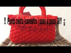 ¡¡ Punto Cesta a Trapillo !!  ( Canestro ) TUTORIAL.... Bag Crochet, Crochet Handbags, Crochet Purses, Crochet Hats, Knitting Videos, Crochet Videos, Crochet Bag Tutorials, Crochet Patterns, Macrame Bag