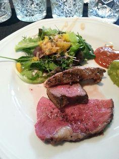 Und los geht es mit T-Bone Steak