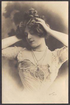 French Artiste and Courtesan Manon Loty circa 1900