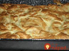 Takúto žemľovku poznám už zo svojho detstva, pripravovala nám ju babička, mama a teraz ju pre svoje deti pečiem aj ja. Na tento recept nedám dopustiť. Pri príprave však nezabudnite na tú najdôležitejšiu prísadu – lásku. :-) Quick Meals, Apple Pie, Mashed Potatoes, Health Fitness, Toast, Bread, Ethnic Recipes, Food, Cakes