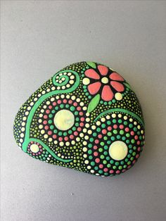 "Dot Painting Stone ""selfmade"""