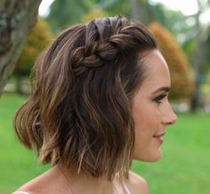 Louise Roe short braid hairstyle