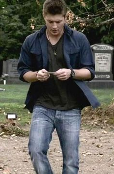 Luke Rainer (Jensen Ackles) is beautiful... and he definitely knows it. #CemeteryTours