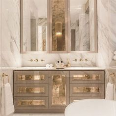 Master ensuite | Time to unwind #rigbyandrigby #privatedevelopment #architecture #interiordesign #london #mayfair #knightsbridge #instagood #photooftheday #beautiful #like #picoftheday #instadaily #fashion #instalike #creative #arch #luxury #architexture #style #buildings #british #decor #interior #homedesign #interiorinspiration #luxuryhouse #architectureinspiration #luxurylondon