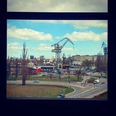 Dzisiaj szkolę się z filmowania i fotografowania w podróży. Już sam widok z okna wygląda jak slajd z podróży. #Gdansk #Gdańsk #ilovegdn #Stocznia #StoczniaGdańska #igersgdansk #zaoknie #windowview #widokzokna #pin #jennydawidDzisiaj szkolę się z filmowania i fotografowania w podróży. Już sam widok z okna wygląda jak slajd z podróży. #Gdansk #Gdańsk #ilovegdn #Stocznia #StoczniaGdańska #igersgdansk #zaoknie #windowview #widokzokna #jennydawid