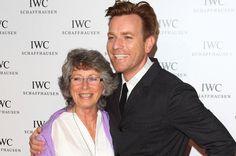 Ewan-McGregor-and-mother-Carol-McGregor.jpg (615×409)