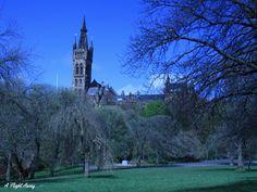 Short layover in Glasgow. Glasgow University. www.aflightaway.net