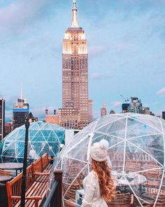 Nothing like fresh air with a view. . . . . #230fifthrooftop #230fifth #rooftopbars #igloobar #manhattanbar #nycrooftop #nycrooftops #coolbars #rooftoprestaurant #happyhournyc #empirestatebuilding… New York Rooftop Bar, Rooftop Bar Bangkok, Rooftop Bars Nyc, New York Bar, Holidays In New York, New York Christmas, New York City Vacation, New York Penthouse, Nyc Girl